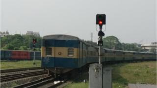 রেলওয়েকে সঠিকভাবে পরিচালনার জন্য কারিগরি কর্মীর সংকট চলছে