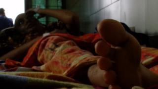 'আমরা এখন কিভাবে মুখ দেখাবো': নির্যাতিত নারীর প্রশ্ন