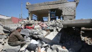 صورة التقطت في 26 من مارس/آذار لمنزل هدم جراء الغارة