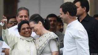 सोनिया गांधी और मायावति