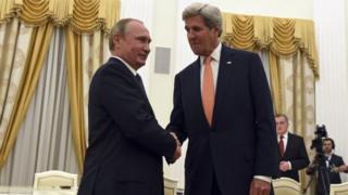 Президент Путин АҚШ котиби Жон Керри билан Кремлда учрашган.