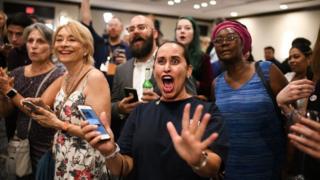 ဒီမိုကရက်တွေ အောင်ပွဲခံတဲ့ အမေရိကန် သက်တမ်းဝက်ရွေးကောက်ပွဲ