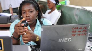 INEC offier wey wan register pipo