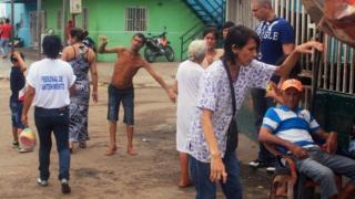 Rudy, Eduardo y María Chiquinquirá, en el barrio de San Luis, estado Zulia, Venezuela.