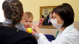 вакцинація, щеплення, діти. лікар