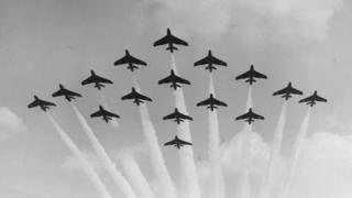 Black Arrows Hawker Hunters in formation at Farnborough Airshow in September 1959