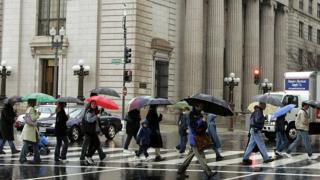 Gente caminando en Washington