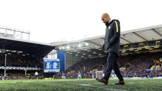 Josep Guardiola, huấn luyện viên Manchester City, trong trận gặp Everton ngày 15/1