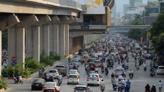 Ngày càng nhiều người ở Việt Nam mua xe ô tô