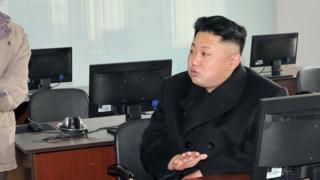 2014년 1월 조선인민군 534부대를 시찰하는 김정은 노동당 위원장
