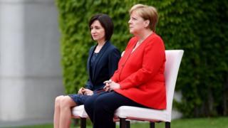 Merleova sedi, Berlin 16. jul 2019.
