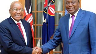 Madaxweyne Zuma ayaa la kulmay dhiggiisa Kenya Uhuru Kenyatta oo eedihii ICC-du u haysatay ay ku wayday.