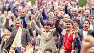 Антиправительственная демонстрация в Душанбе, май 1992 года