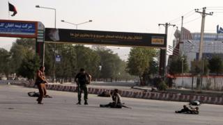 Havaalanında düzenlenen saldırıda en az 14 kişi hayatını kaybetti