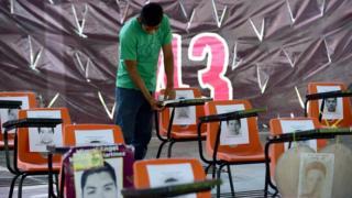 Homenaje a los 43 estudiantes desaparecidos de Ayotzinapa