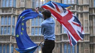 La Commission européenne estime que des progrès suffisants sont atteints dans les négociations avec le Royaume-Uni.