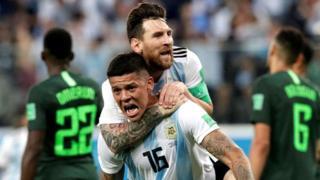 Messi na Rojo wakishangilia baada ya goli la ushindi