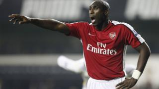 Sol Campbell playing for Arsenal