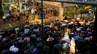 Hong Kong protests: Huge crowds rally peacefully