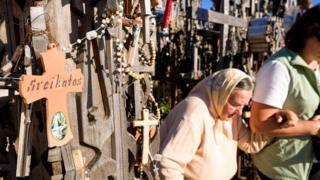 Гора Крестов влечет к себе паломников самых разных конфессий и религий