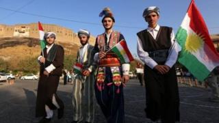 أكراد مؤيدون للاستفتاء