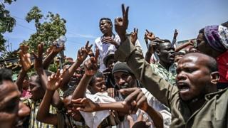 معترضان سودان: شورای نظامی ادامه رژیم قبلی است