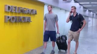 Американские пловцы Гуннар Бенц и Джек Конгер