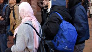 Kopenhag tren istasyonundaki göçmenler
