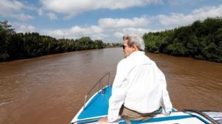 John Kerry ari mu karere yagwaniyemwo intambara ya Vietnam