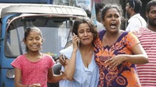 သီရိလင်္ကာ လုံခြုံရေးတပ်ဖွဲ့တွေက နောက်ထပ်တိုက်ခိုက် ဗုံးကွဲမှုမလုပ်နိုင်အောင် နိုင်ငံတ၀န်းမှာ စီးနင်းထားနိုင်ပါတယ်
