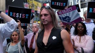 Trump'ın açıklaması ardından New York'ta yapılan gösterilerden
