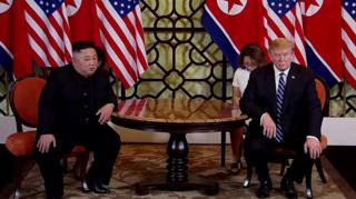 """الخلاف بشأن """"العقوبات"""" ينهي قمة ترامب وكيم بدون اتفاق"""