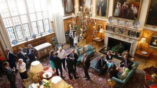Cabinet ministers in discussion at Chequers