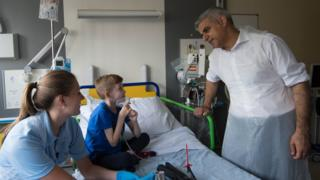 Sadiq Khan meets Fredi Hilton, from Essex, who is being treated at Great Ormond Street Hospital in London for respiratory problems