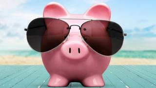 Cerdo con lentes.