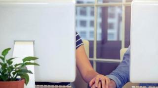 Ilustrasi hubungan di tempat kerja
