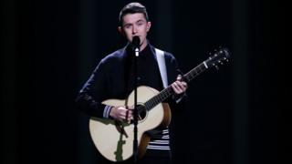 Ryan O'Shaughnessy performs
