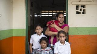 Elena with her 4 children