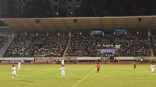 Thầy trò huấn luyện viên Hữu Thắng đã khởi đầu tốt và duy trì một thế trận tích cực trong suốt hiệp 1.