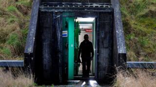 Một hầm chống bom nguyên tử ở Bắc Ireland, Anh Quốc