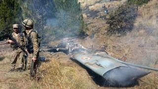 Pesawat tempur India ditembak jatuh
