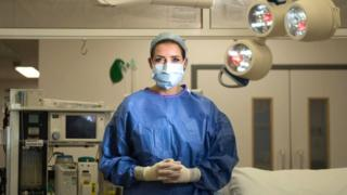Một y tá trong bệnh viện