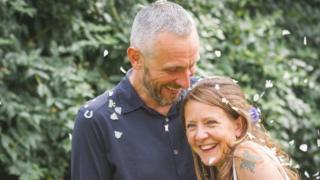 Russell Davison dan istrinya Wendy
