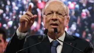 Beji Caid Essebsi, le président tunisien n a déclaré que la loi de réconciliation économique était la seule solution face à la crise qui ravage le pays.