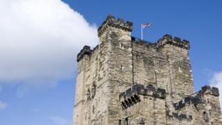 Британский флаг над английским замком