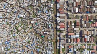محله ووکوزنزله در سویت هوم در کیپ تاون آفریقای جنوبی