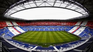 올림피크 리옹은 5만9천 관중석을 자랑하는 프랑스 최대 경기장이다