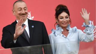 El gobierno de Azerbaiyán tiene fuertes vínculos con el de Malta.