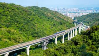Тайбейское метро дотягивается почти до каждого уголка города, в том числе и до международного аэропорта