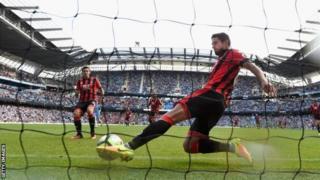 'Yan wasan Bournemouth da Manchester City